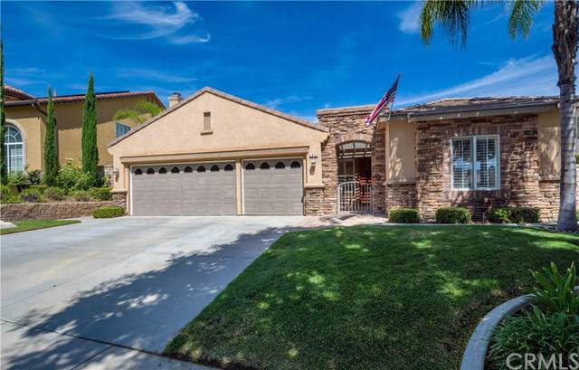 1671 Spyglass Drive, Corona, CA 92883 (#IG19222057) :: Heller The Home Seller