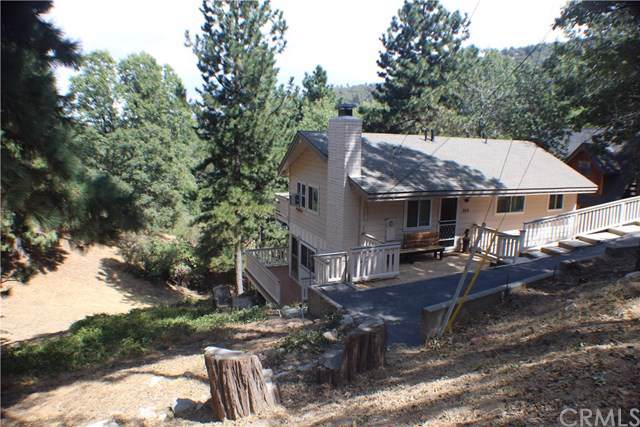 389 Dunant Drive, Crestline, CA 92325 (#EV19222083) :: Rogers Realty Group/Berkshire Hathaway HomeServices California Properties