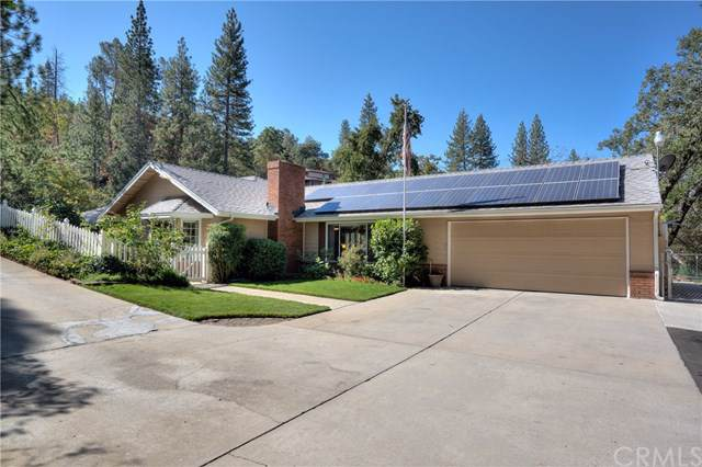 37166 Sundance Drive, Coarsegold, CA 93614 (#FR19221405) :: Allison James Estates and Homes