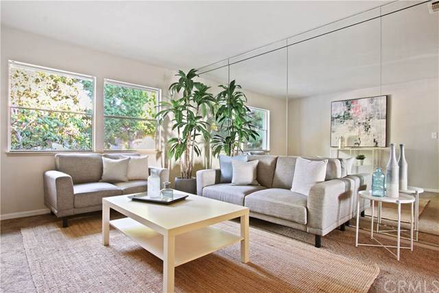 3621 Kalsman Drive #4, Los Angeles (City), CA 90016 (#DW19222371) :: The Costantino Group | Cal American Homes and Realty
