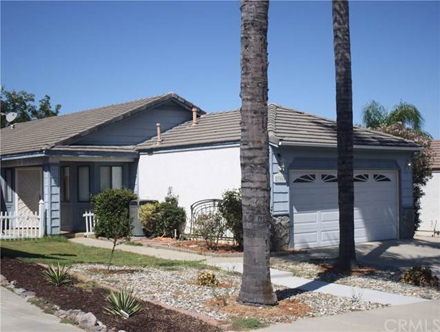 27951 Red Dawn Drive, Menifee, CA 92585 (#SW19221327) :: Fred Sed Group
