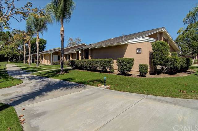 8566 Sierra Circle 912D, Huntington Beach, CA 92646 (#OC19222627) :: Legacy 15 Real Estate Brokers