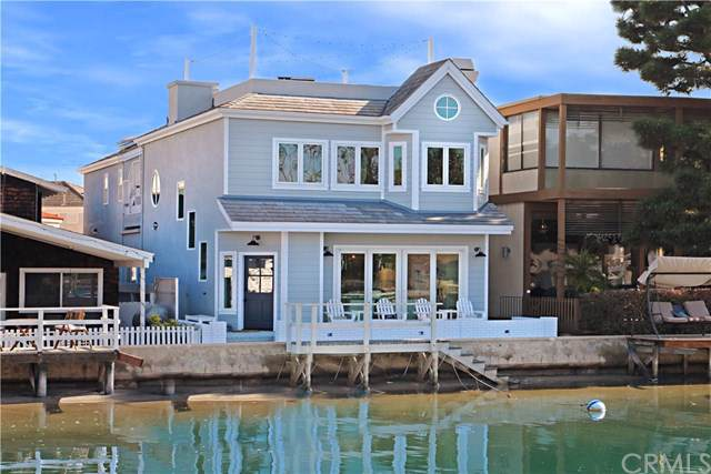 320 Grand Canal, Newport Beach, CA 92662 (#NP19181328) :: Fred Sed Group