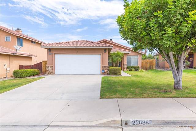 22686 Hannah Court, Corona, CA 92883 (#IG19222874) :: Fred Sed Group