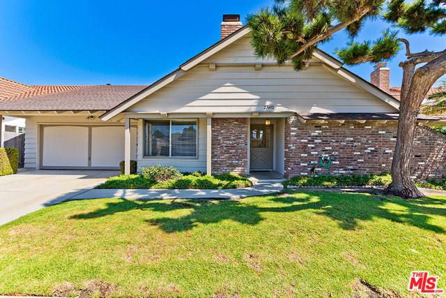 21402 Augusta Circle, Huntington Beach, CA 92646 (#19511916) :: California Realty Experts