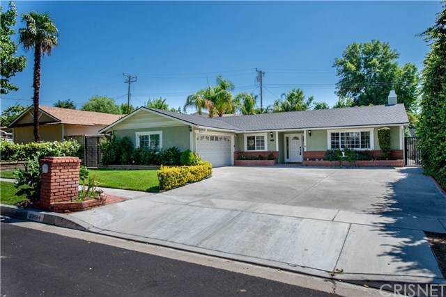 23934 Fambrough Street, Newhall, CA 91321 (#SR19222949) :: The Laffins Real Estate Team