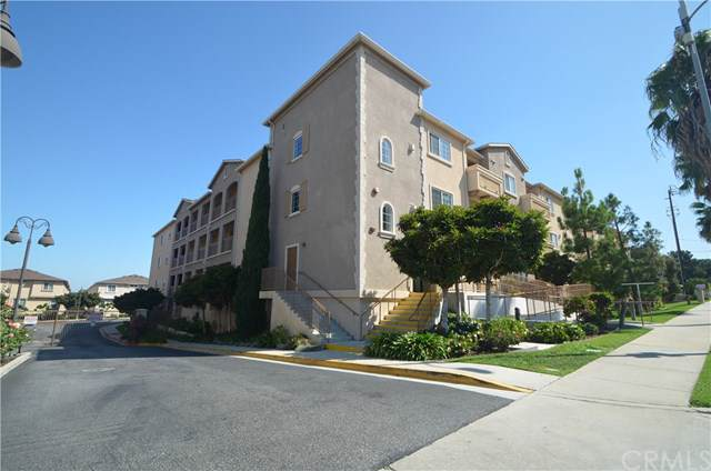 1437 Lomita Boulevard #317, Harbor City, CA 90710 (#SB19223522) :: Go Gabby