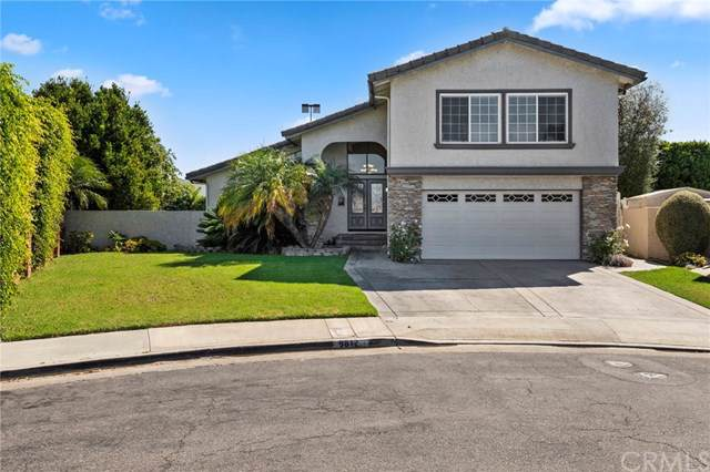 9812 Olympic Drive, Huntington Beach, CA 92646 (#NP19221221) :: California Realty Experts