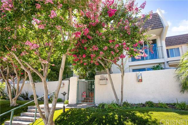 6205-1/2 Randi Avenue, Woodland Hills, CA 91367 (#SR19222146) :: Realty ONE Group Empire