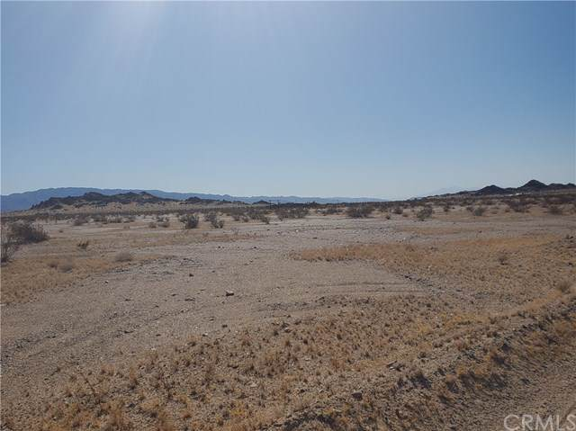 0 Bower Road, 29 Palms, CA 92277 (#JT19224287) :: Heller The Home Seller