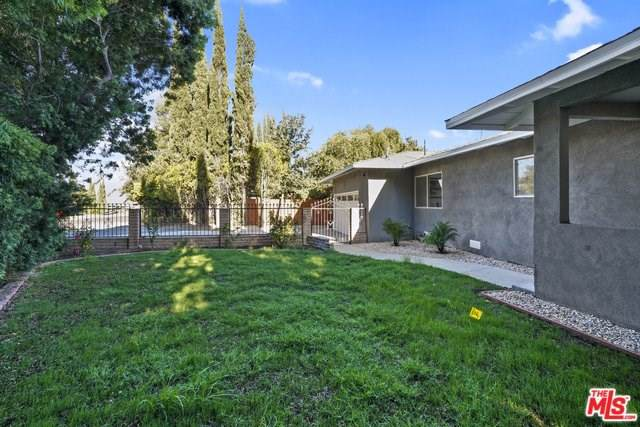 21618 Stanwell Street, Chatsworth, CA 91311 (#19512630) :: Allison James Estates and Homes