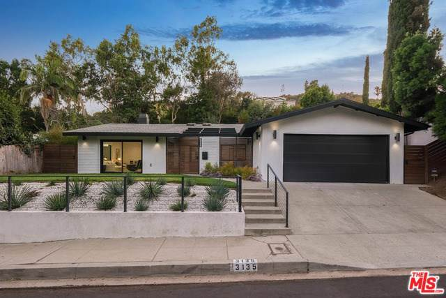3135 Nichols Canyon Road, Los Angeles (City), CA 90046 (#19512628) :: Team Tami