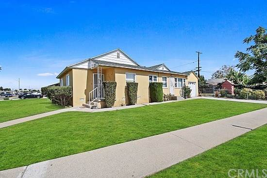 14634 S. Cairn Ave, Compton, CA 90220 (#DW19224311) :: Powerhouse Real Estate