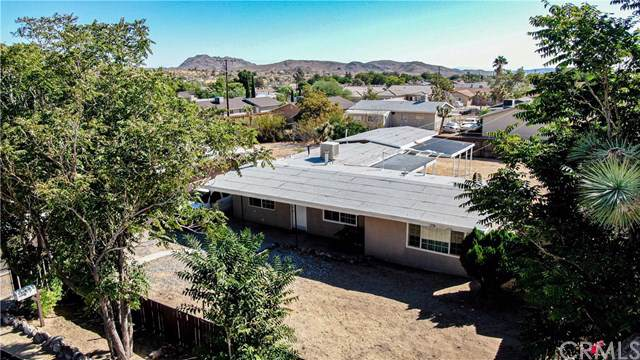 6369 Fortuna Avenue, Yucca Valley, CA 92284 (#CV19224592) :: Steele Canyon Realty