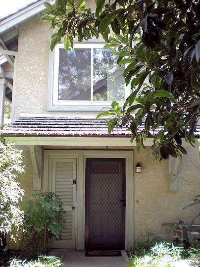 7150 Carlson Circle #9, Canoga Park, CA 91303 (#SR19223322) :: Bob Kelly Team
