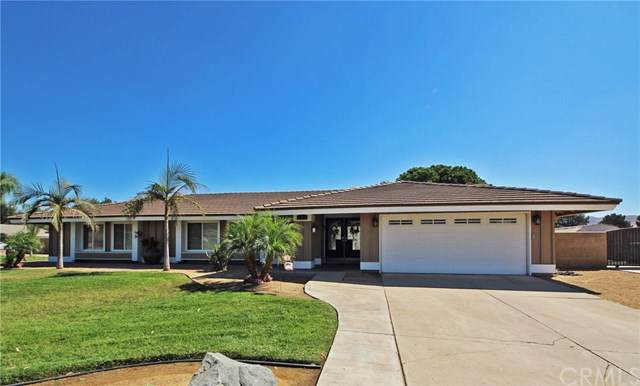 11555 Overland Drive, Fontana, CA 92337 (#OC19221358) :: Mainstreet Realtors®