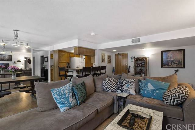 4249 Longridge Avenue #102, Studio City, CA 91604 (#SR19222971) :: RE/MAX Empire Properties