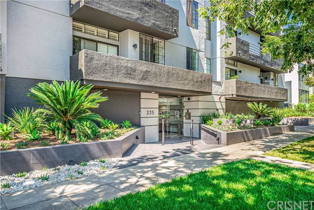 235 S Reeves Drive #205, Beverly Hills, CA 90212 (#SR19225471) :: A|G Amaya Group Real Estate