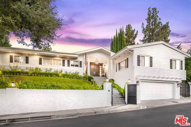 15771 Royal Ridge Road, Sherman Oaks, CA 91403 (#19508770) :: Veléz & Associates