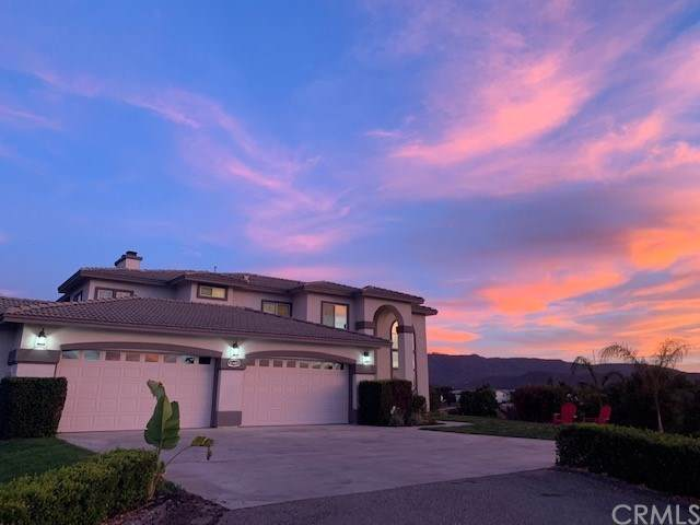 41480 Valencia Way, Temecula, CA 92592 (#PW19219650) :: RE/MAX Innovations -The Wilson Group