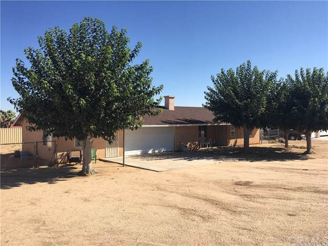 57894 Hidden Gold Drive, Yucca Valley, CA 92284 (#JT19225716) :: RE/MAX Masters