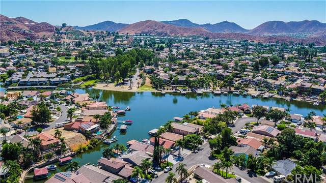 29944 Mayflower Drive, Canyon Lake, CA 92587 (#PW19225832) :: The Miller Group