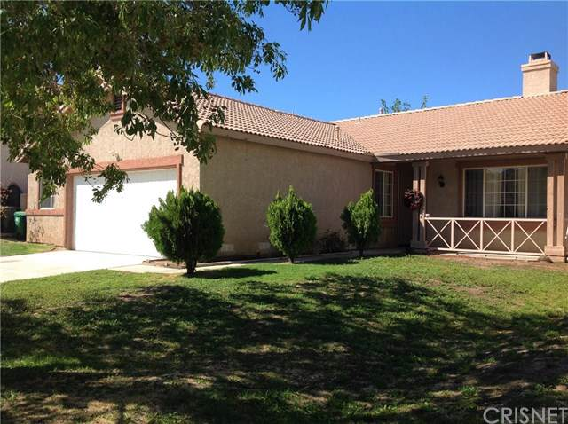 37453 56th Street E, Palmdale, CA 93552 (#SR19223526) :: The Miller Group