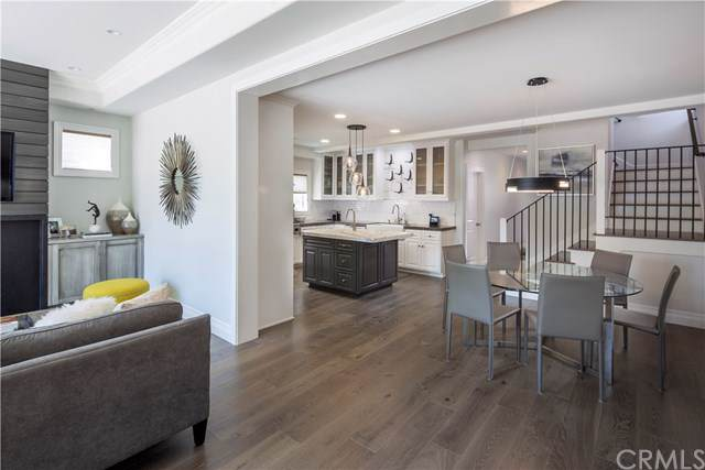 613 Larkspur Avenue, Corona Del Mar, CA 92625 (#NP19225904) :: RE/MAX Innovations -The Wilson Group