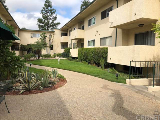 5328 Newcastle Avenue #41, Encino, CA 91316 (#SR19223889) :: The Miller Group