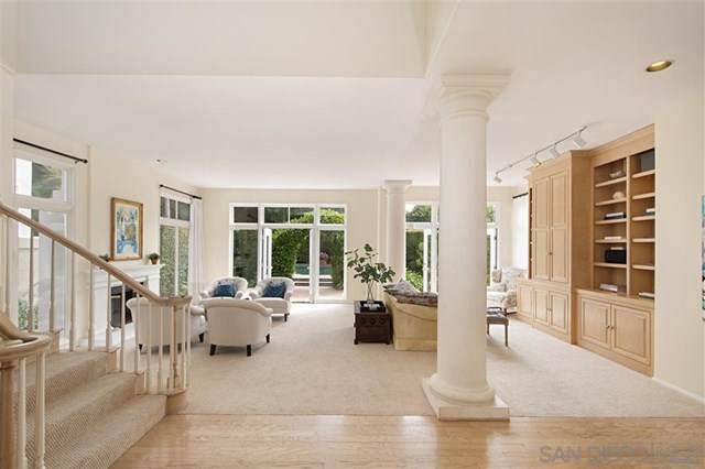 9636 Claiborne Square, La Jolla, CA 92037 (#190052520) :: A|G Amaya Group Real Estate