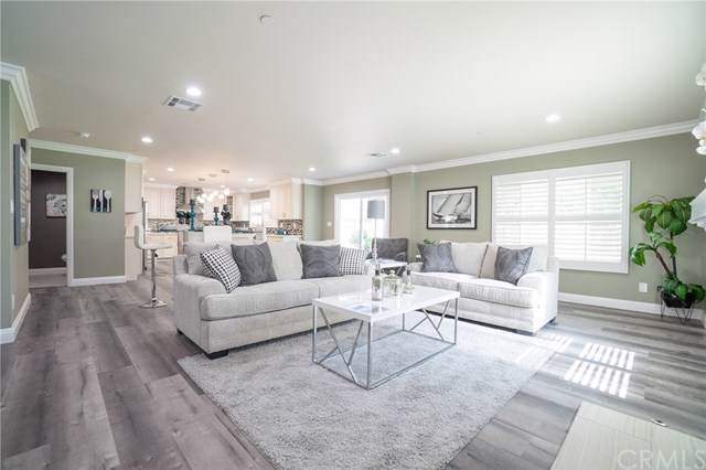 2324 Tevis Avenue, Long Beach, CA 90815 (#SB19226864) :: J1 Realty Group