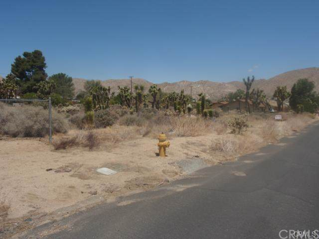 0 Elk Trail, Yucca Valley, CA 92284 (#JT19226922) :: The Houston Team | Compass