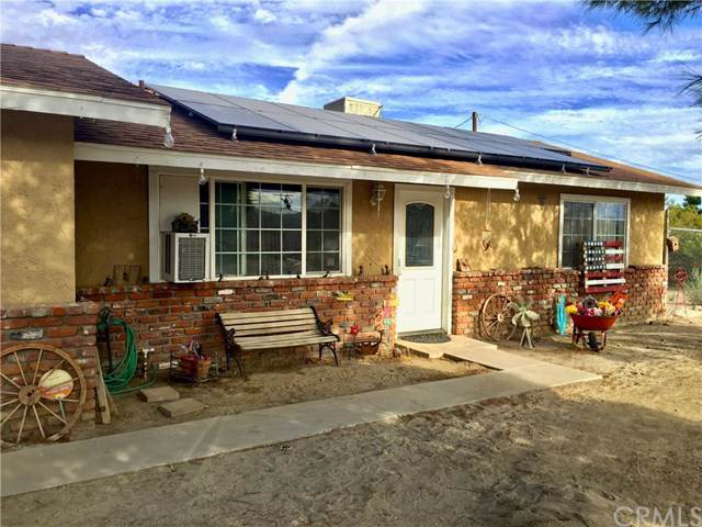 11001 San Jacinto Street, Morongo Valley, CA 92256 (#JT19227699) :: Sperry Residential Group