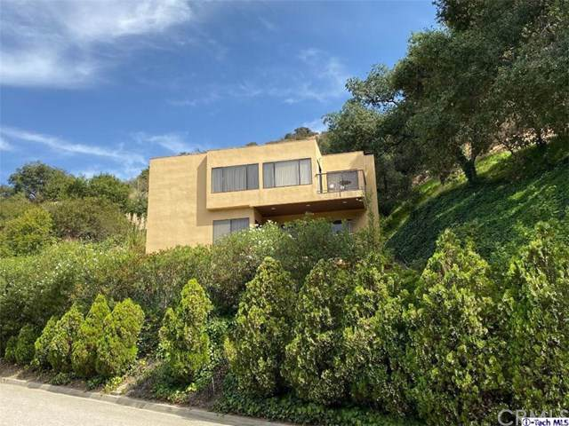 2840 Glenoaks Canyon Dr, Glendale, CA 91206 (#319003877) :: The Brad Korb Real Estate Group