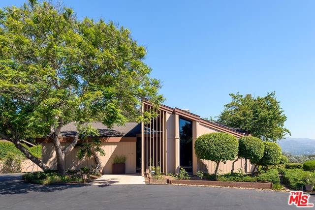 3942 Laguna Blanca Drive, Santa Barbara, CA 93110 (#19515280) :: Team Tami
