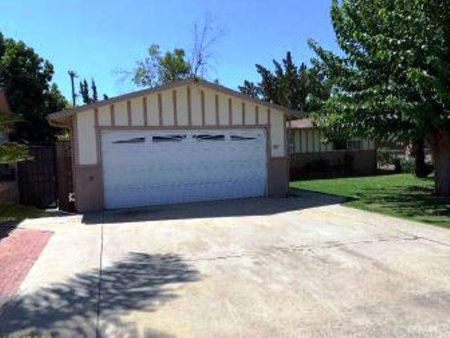 307 Rosalee Avenue, Shafter, CA 93263 (#MD19230154) :: J1 Realty Group