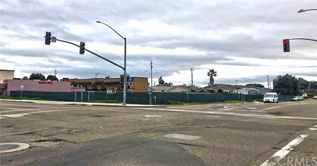402 W Grand Avenue, Grover Beach, CA 93433 (#PI19234777) :: RE/MAX Parkside Real Estate