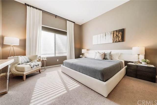507 Rockefeller, Irvine, CA 92612 (#PW19234781) :: Sperry Residential Group