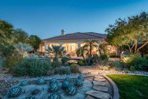 27 Vista Encantada, Rancho Mirage, CA 92270 (#219031204PS) :: J1 Realty Group