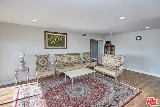 4040 Via Marisol #224, Los Angeles (City), CA 90042 (#19517972) :: Sperry Residential Group