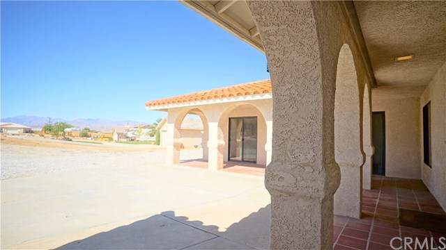 58740 Arcadia Trail, Yucca Valley, CA 92284 (#JT19237773) :: RE/MAX Masters