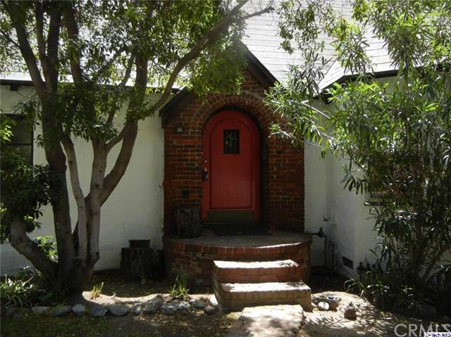 2638 E Glenoaks Boulevard, Glendale, CA 91206 (#319004044) :: The Brad Korb Real Estate Group