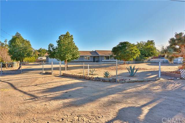 14819 Walnut Street, Hesperia, CA 92345 (#CV19239814) :: Z Team OC Real Estate