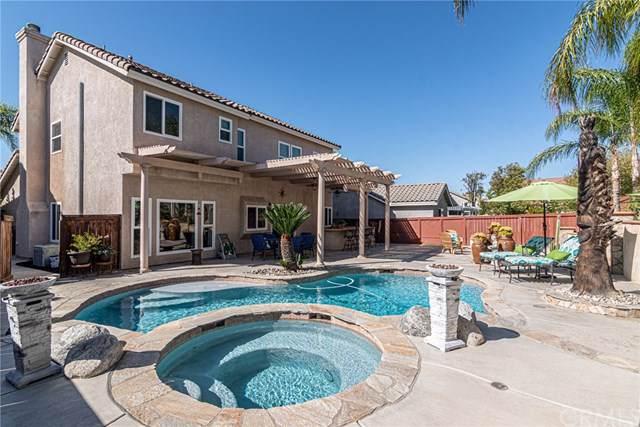 45272 Callesito Ordenes, Temecula, CA 92592 (#SW19239936) :: Allison James Estates and Homes