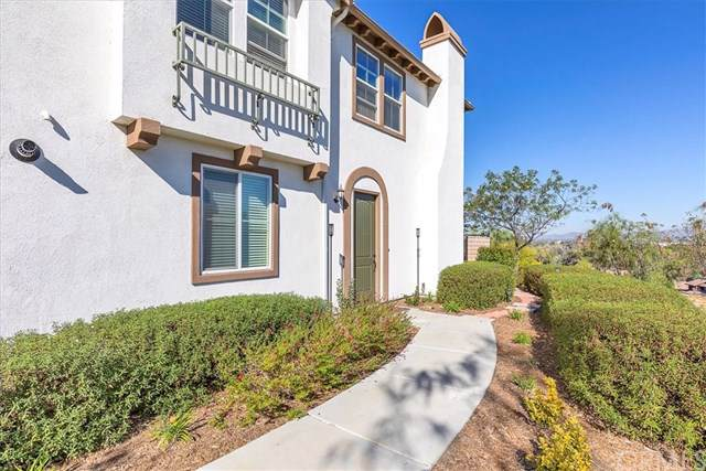 27920 Avenida Avila, Temecula, CA 92592 (#SW19240186) :: The Bashe Team