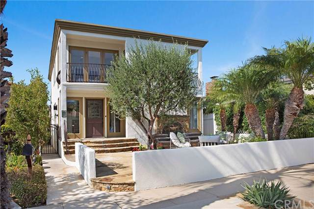 425 Narcissus Avenue, Corona Del Mar, CA 92625 (#NP19240519) :: Brandon Hobbs Group