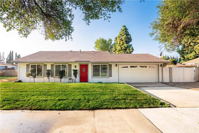852 W 13th Street, Upland, CA 91786 (#CV19240419) :: Cal American Realty
