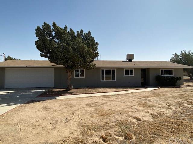 9585 Oakwood Avenue, Hesperia, CA 92345 (#IG19239730) :: Z Team OC Real Estate