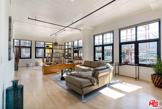 1100 S Grand Avenue #201, Los Angeles (City), CA 90015 (#19519800) :: Z Team OC Real Estate