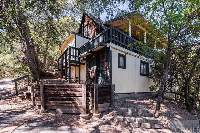23586 Hillside Drive, Crestline, CA 92325 (#CV19239261) :: Powerhouse Real Estate